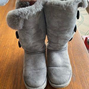 Ugg Bailey 3-button gray boots